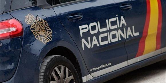 2. Detenido en Alicante por cinco robos en coches y uno en una casa tras ser sorprendido in fraganti