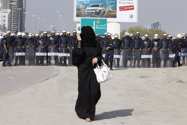 Mujer musulmana con abaya