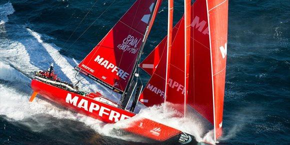 7. El 'MAPFRE' arrebata el liderato al 'Team Brunel' rumbo a Auckland