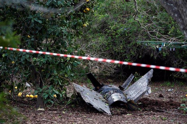 Restos del avión israelí F-16 derribado por un misil antiaéreo sirio
