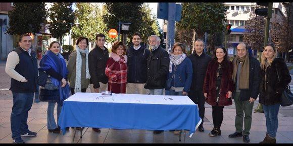7. El PP recoge firmas para pedir la implantación del Grado de Informática en Talavera de la Reina