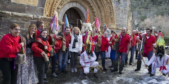 3. Tezanos expresa su apoyo para que el Carnaval de Piasca sea BIC Inmaterial