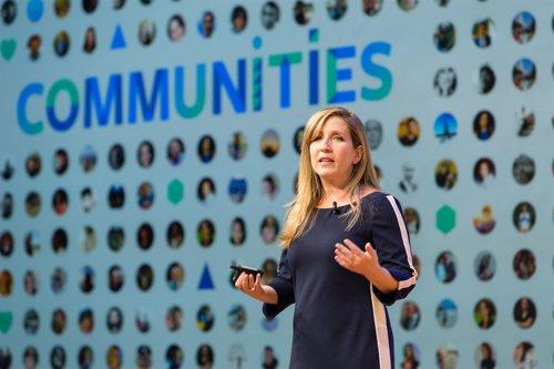 Jennifer Dulski, directora del programa de grupos y comunidades de Facebook