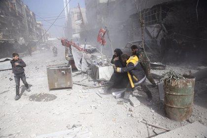 Mueren 21 civiles en nuevos bombardeos y ataques con artillería contra Ghuta Oriental (Siria)