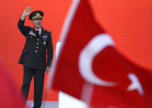 El jefe del Ejército de Turquía, Hulusi Akar, en Estambul, Turquía