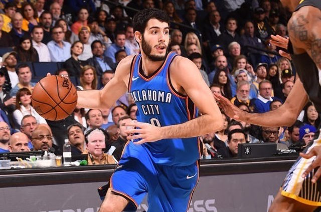 Abrines (Oklahoma City Thunder) contra Golden State Warriors