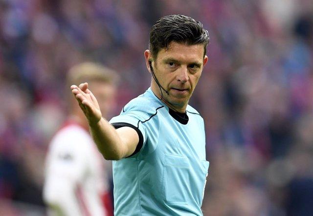El árbitro italiano Gianluca Rocchi