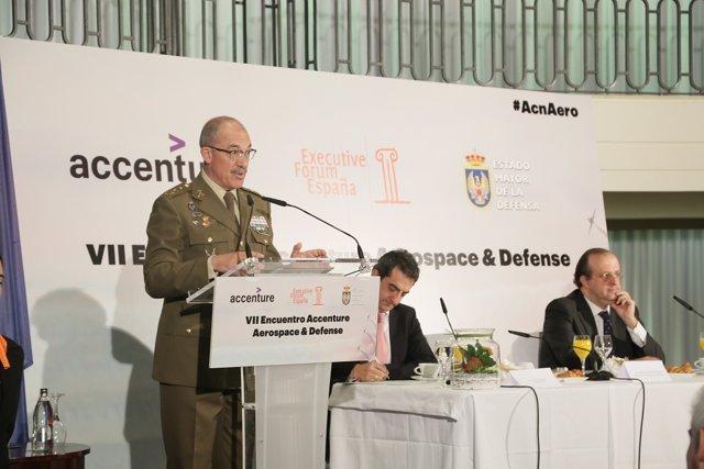 El JEMAD, general Fernando Alejandre, en una conferencia