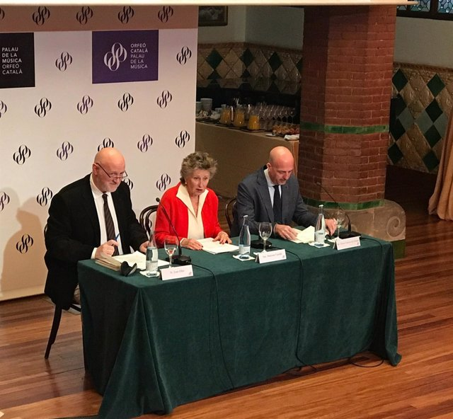 J.Oller, M.Carulla y V.García de Gomar