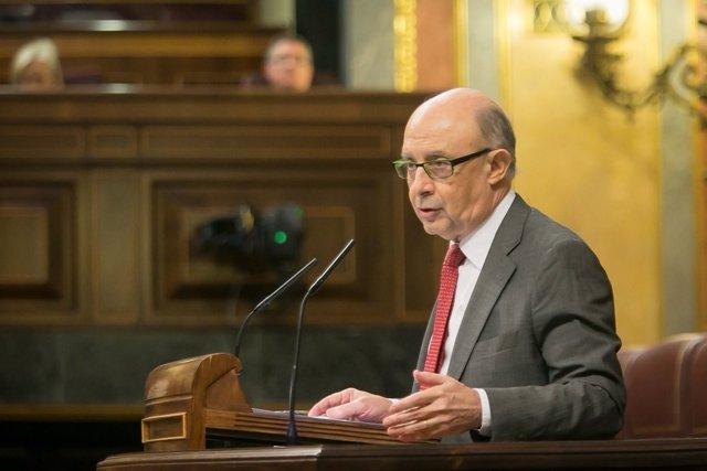 El ministro de Hacienda y Función Pública, Cristóbal Montoro, en el Congreso