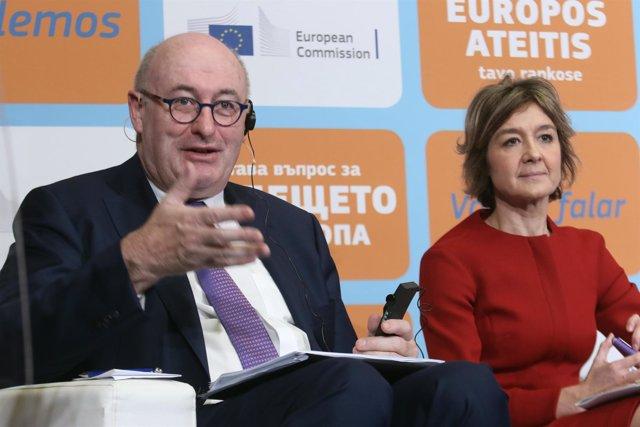 La ministra García Tejerina, este lunes en Sevilla