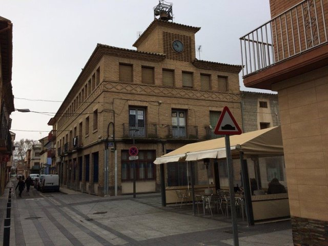 La Casa del Reloj, en el centro de Zuera, acoge ya la biblioteca municipal