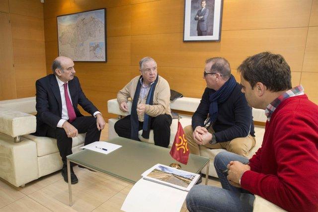 Mazón se reúne con el alcalde de Santillana del Mar