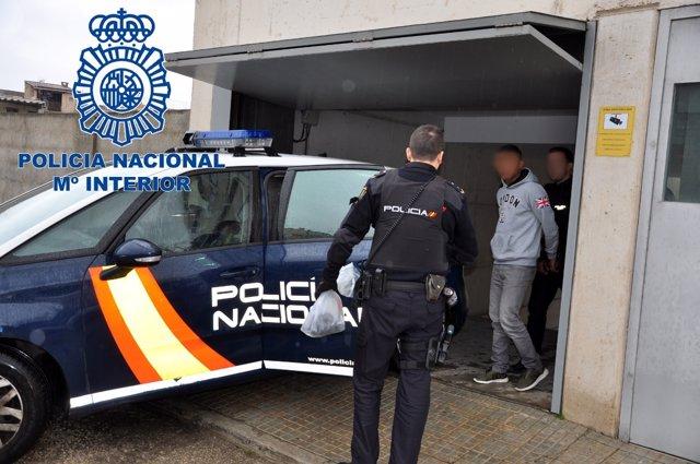 La Policía Nacional Detiene A Los Autores De Un Atraco A Un Establecimiento Con