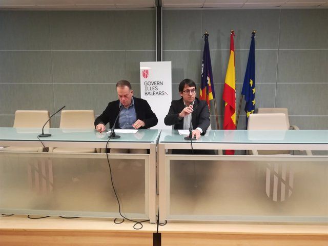 Iago Negueruela Y El Director General De Economía