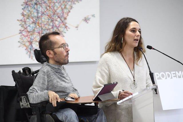 Los portavoces del Consejo de Coordinación de Podemos, Pablo Echenique y Noelia