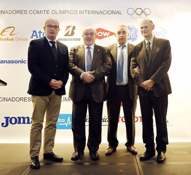 Alejandro Blanco y el presidente de la UCAM en un desayuno del COE