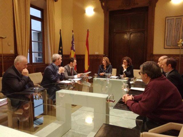 La Conselleria de Cultura firma la compra de Sa Trinxa para la construcción del Centro Internacional Toni Catany
