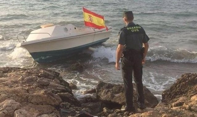 Patera hallada por la Guardia Civil