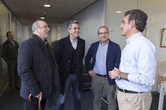 Martín se reúne con el alcalde de Bezana, Pablo Zuloaga