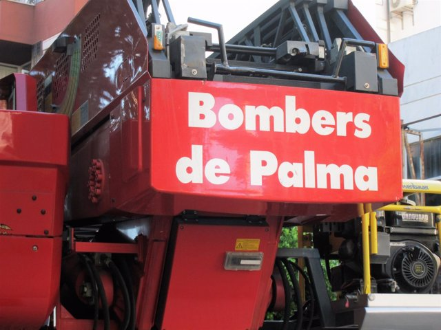 Parte posterior de un camión de los Bomberos de Palma