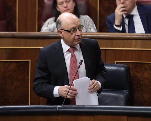 Montoro en la sesión de control al Gobierno en el Congreso