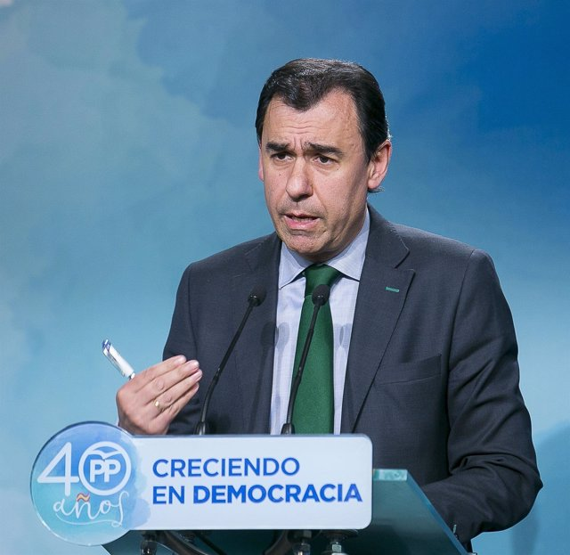 Fernando Martínez Maillo en rueda de prensa