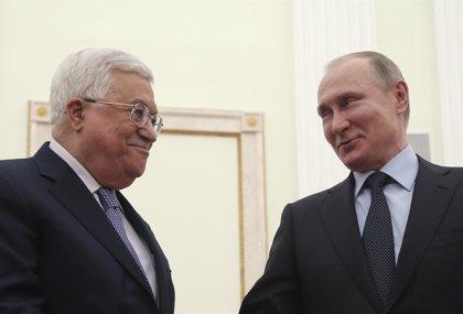 Abbas lleva a Moscú su campaña para implicar a más potencias en el proceso de paz árabe-israelí