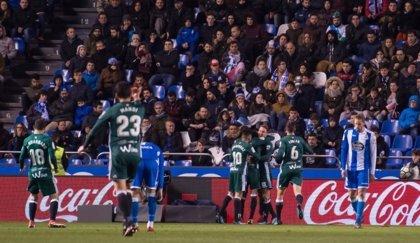 Loren y su idilio con el gol amargan el debut de Seedorf