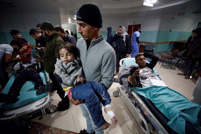 Palestinos heridos tras los enfrentamientos con el Ejército Israelí este viernes