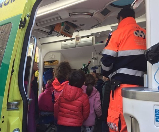 Nota Epes 061: El 061 Enseña Cómo Actuar Ante Una Emergencia Sanitaria A Alumnos