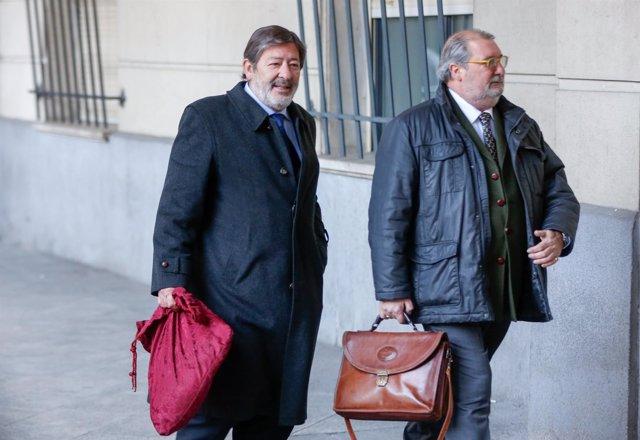 Guerrero llega al novena sesión del juicio de los ERE junto a su abogado
