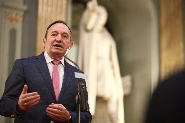 Rueda de prensa de Pedro Sanz tras la constitución de la Comisión del 155