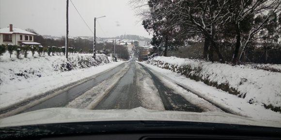 7. O mal tempo provoca o peche de estradas en doce concellos da rede provincial de Lugo