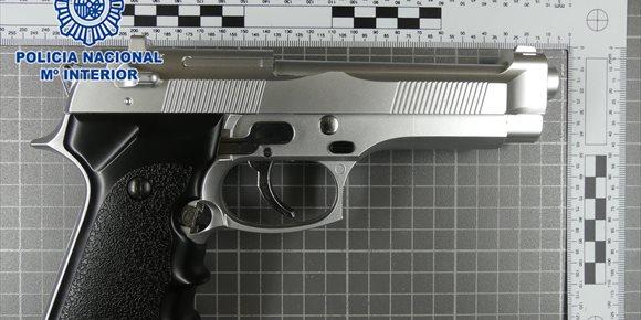 8. Detenido en Lorca por tres robos con violencia e intimidación con una pistola simulada en la vía pública