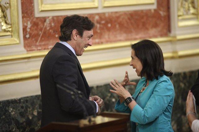 Rafael Hernando y Margarita Robles en el homenaje a las víctimas del terrorismo