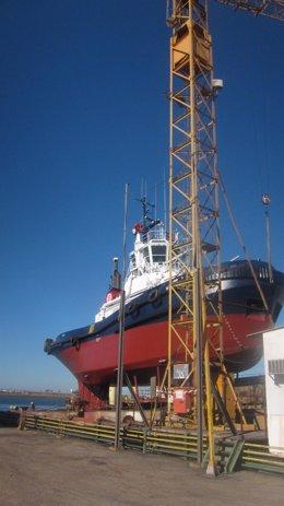 Barco en astilleros (Huelva).