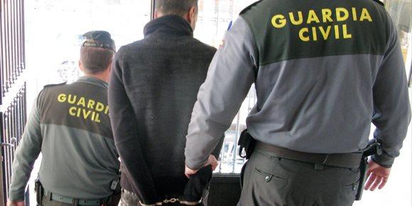 9. Detenidos en Mazarrón los 3 miembros de un violento grupo criminal que asaltó a tres viandantes en una semana