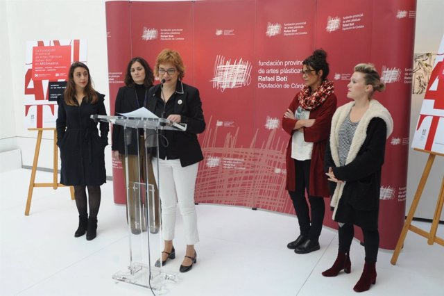 Ruz (centro), durante la presentación