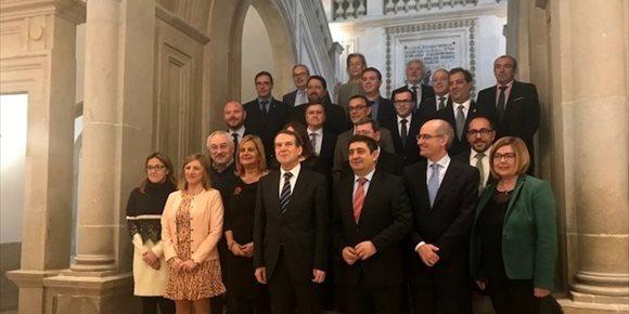 1. La presidenta de la Diputación de Cáceres defiende que se pueda invertir el superávit de la institución