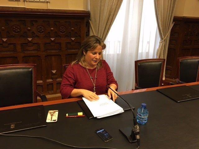 Esther Pérez en la rueda de prensa