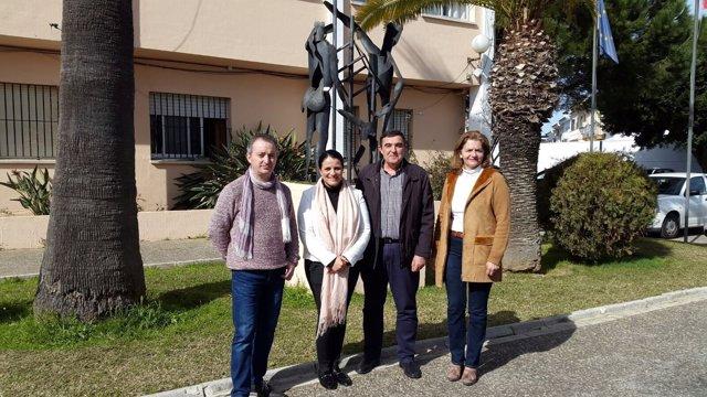 El delegado de Educación, Vicente Zarza, visita el CEIP Los Llanos, en Almonte