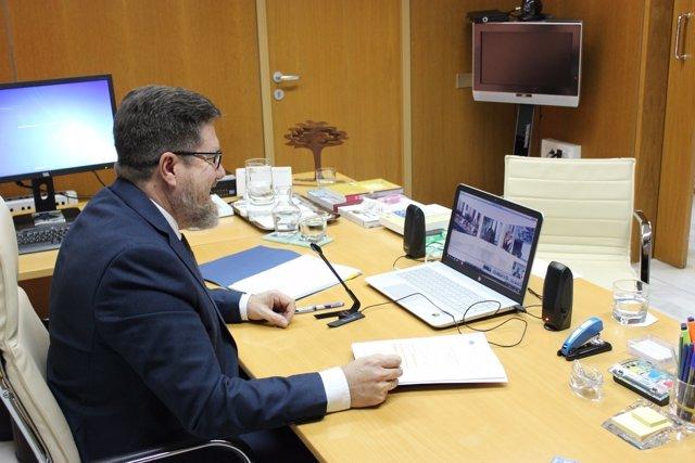 El consejero de Agricultura de la Junta, Rodrigo Sánchez Haro