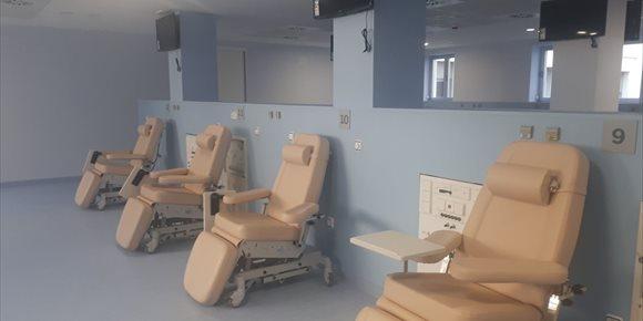 3. El Hospital Virgen de las Nieves de Granada pondrá en marcha la nueva Unidad de Diálisis el 19 de febrero