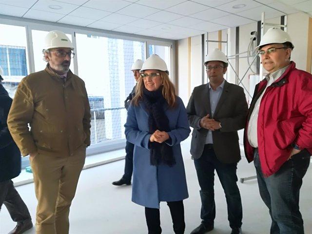 Luna visita las obras del Centro de Salud de Huerta de la Reina