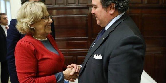 10. Carmena se reúne con el embajador de Estados Unidos de cara a poder organizar futuros eventos culturales