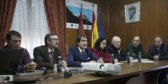 1. Suárez-Quiñones anuncia la subasta de 14.000 toneladas de madera procedente de los incendios de La Cabrera