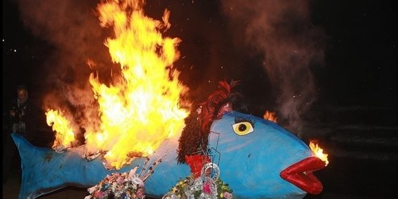 7. El Carnaval de Santa Cruz de Tenerife prosigue este miércoles con el 'Entierro de la Sardina'