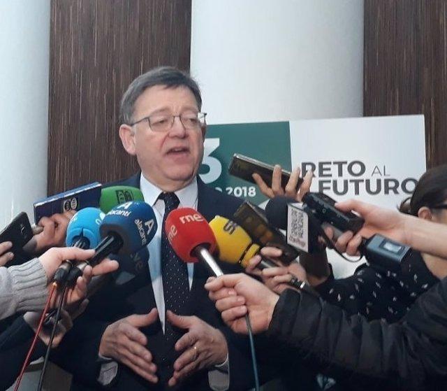 Ximo Puig atiende a los medios este martes en Alicante
