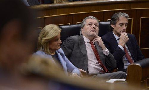 Fátima Báñez, Íñigo Méndez de Vigo e Íñigo De la Serna